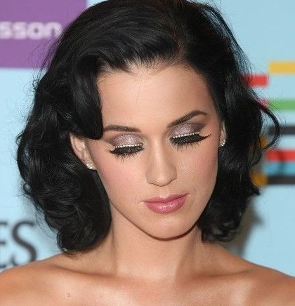 katy Perry make-up look for the party season