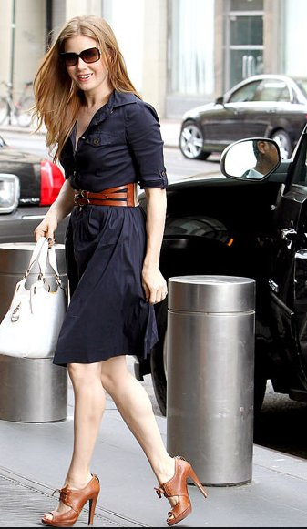 tory-burch-blythe-dress-on-amy-adams-175